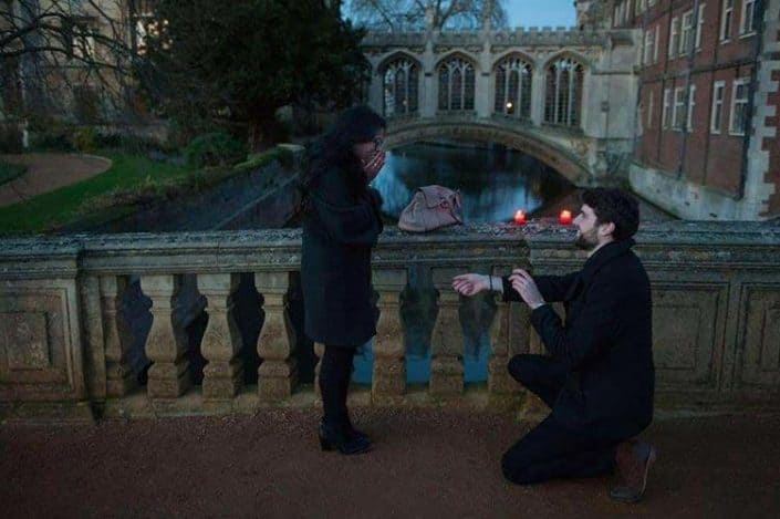 Live wedding proposal near the Bridge of Sighs in St John's college
