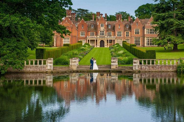 Cambridgeshire wedding photographer - Longstowe Hall